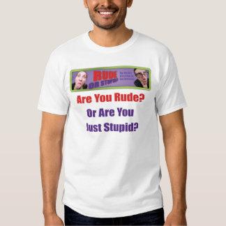 Camiseta grosera o estúpida del logotipo