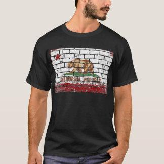 Camiseta Grunge de la pared de ladrillo de la bandera de