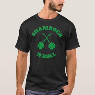 Camiseta Grunge del rollo de n del trébol '