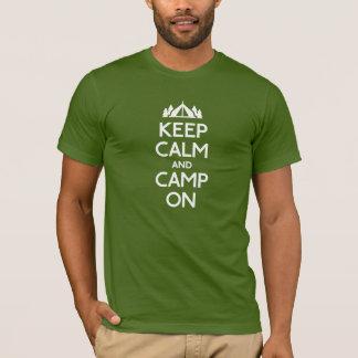 Camiseta Guarde la calma y el campo encendido