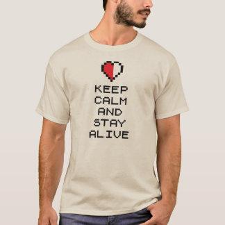 Camiseta Guarde la calma y permanezca vivo (8bit)