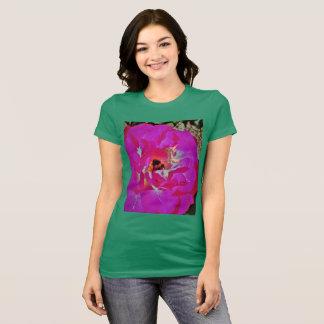 Camiseta Hada y abeja en flor