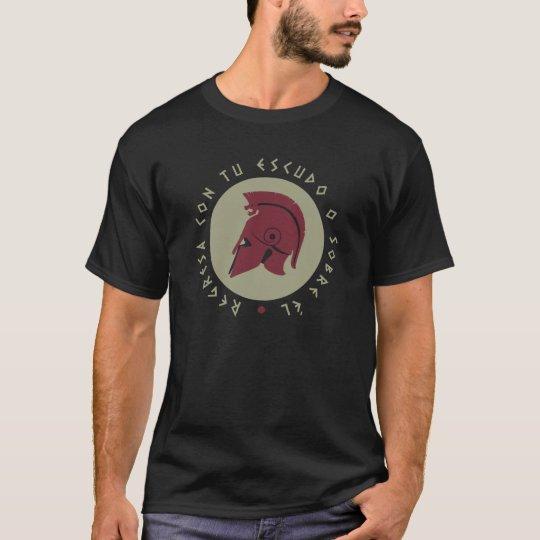 Camiseta Hoplita Yelmo: regresa con tu escudo o sobre él.