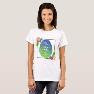 Camiseta Huevo de Pascua lindo del lunar con la guirnalda