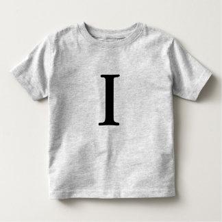 Camiseta inicial con monograma de la letra I