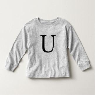 Camiseta inicial negra con monograma de la letra U