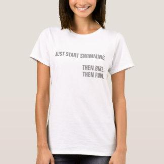 Camiseta Ironman apenas guarda el nadar