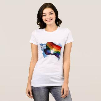 Camiseta La bandera del arco iris con la paloma diseñó la