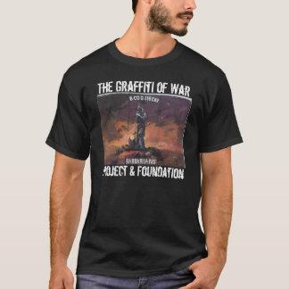 Camiseta La pintada de la ropa de la guerra