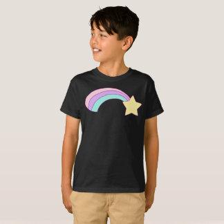 Camiseta La raya colorida del arco iris de la estrella