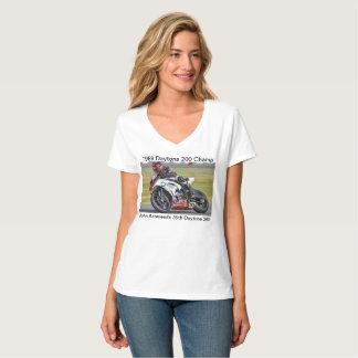 Camiseta La uve de las mujeres de Juan Ashmead
