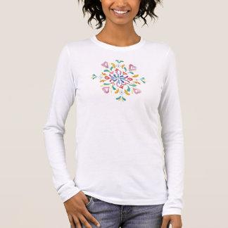 Camiseta larga de la manga de las señoras bonitas