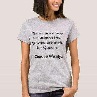 Camiseta Las coronas están para el Queens - princesa Tee de