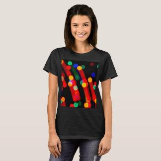 Camiseta Las luces de navidad de Bokeh con la luz arrastran