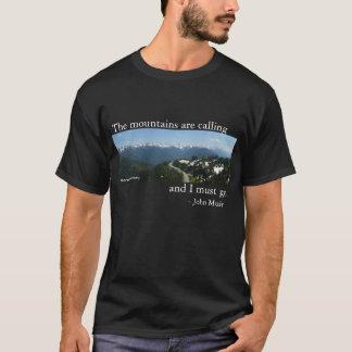 Camiseta Las montañas están llamando - oscuridad