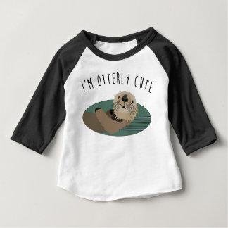 Camiseta linda del bebé de la nutria