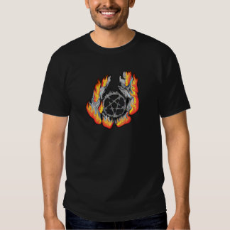 Camiseta llameante del Pentagram
