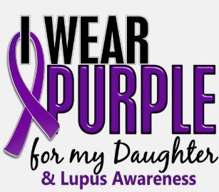 Camiseta Llevo la púrpura para mi lupus de la hija 10 d3e4d05dbcab3