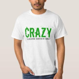 Camiseta loca del diseño del texto del término de