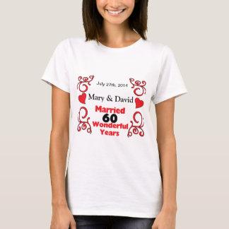 Camiseta Los nombres rojos de la voluta y de los corazones
