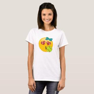 Camiseta Los ojos Kissy del corazón de Emoji del softball