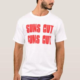 Camiseta Los soles hacia fuera disparan contra hacia fuera