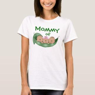 Camiseta Mamá de tríos mezclados con una piel más oscura