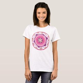 Camiseta Mandala floral en rosa