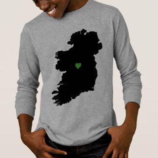 Camiseta Mapa del corazón irlandés del verde del orgullo de