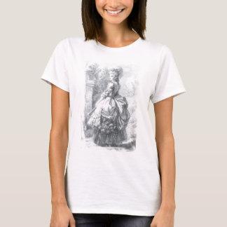 Camiseta Marie Antonieta - caminando en un jardín