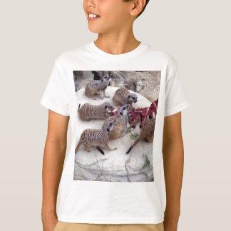 Camiseta Meerkat que come las costillas para el té,