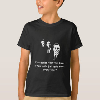 Camiseta Menos de dos males