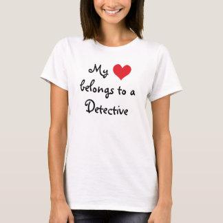 Camiseta Mi corazón pertenece a un detective