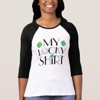 Camiseta Mi herradura afortunada del trébol del verde de la