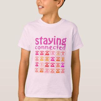 Camiseta Modelo rosado del teléfono que permanece la