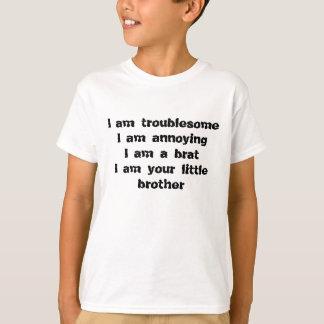 Camiseta molesto, molestando, un palo de golf de un pequeño
