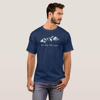 Camiseta Montañas. El caminar.  Coma, duerma, camine,