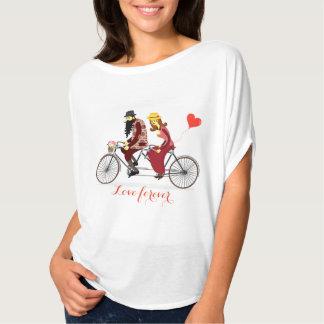 Camiseta Montar a caballo cariñoso de los pares en una