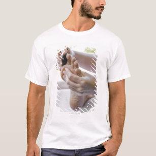 66566210b camiseta mujer que consigue masaje del pie con la piedra-r7dfc617a20e545f3b3baaa51af6725bc k2gr0 307.jpg
