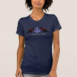 Camiseta náutica negra del esquema de Labrador que