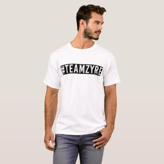 Camiseta negra y blanca del #TeamZyre