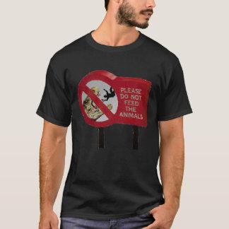 Camiseta No alimente el dinosaurio