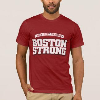Camiseta No apenas fuerte. Boston fuerte