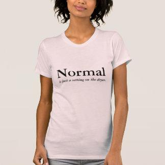 Camiseta Normal es apenas un ajuste en el secador