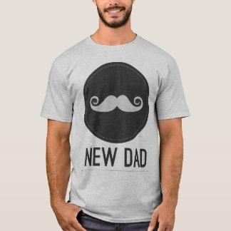 Camiseta Nuevo inconformista del bigote del papá