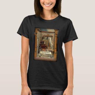 Camiseta ObsoleteOddity Doll's House - creepy creepy joy