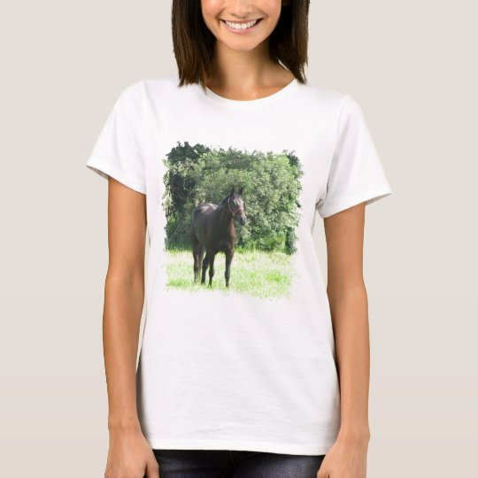 Camiseta oscura de las señoras del caballo de