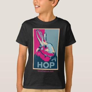 Camiseta oscura del SALTO para los niños