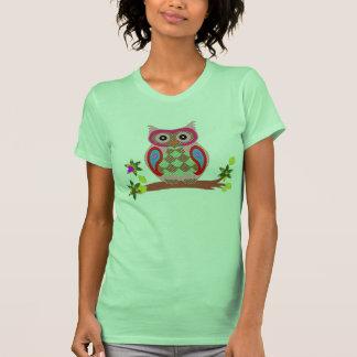 Camiseta para mujer decorativa del remiendo