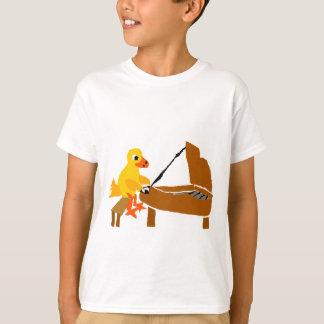 Camiseta Pato divertido que juega arte del piano